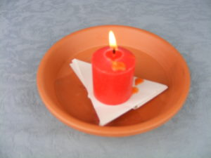 """Kerzen für Liebeszauber """"width ="""" 300 """"height ="""" 225 """"/>   <p> Kerzen für Liebeszauber sind je nach Farbe für verschiedene Zwecke bestimmt, dann zeige ich Ihnen die Bedeutung Sie werden basierend auf ihrem Farbton gewährt: </p> <p> Die drei am häufigsten verwendeten Farben in den meisten Zaubersprüchen sind: </p> <ul> <li> <strong> Rote Kerzen-Zaubersprüche </strong>. Diese Farbe hilft sowohl Ihnen als auch der Person, für die das Ritual dazu bestimmt ist, sich geistig zu öffnen. Sie wird verwendet, um dem Ritual mehr Kraft zu verleihen. </li> <li> ] Rituale mit einer rosa Kerze verbinden wir normalerweise mit dieser Farbe Romantik, aber es zielt darauf ab, die Süße und Gefühle der Romantik zu steigern. Es ist üblich, rosa Kerzen in Zaubersprüchen zu finden, um Beziehungen zu pflegen und <strong> Menschen zu harmonisieren </strong> ]. </li> <li> Zauber s mit weißer Kerze. Diese Farbe ist mit Reinheit verbunden. Es ist ideal zum Ausgleich von Situationen, die diese Kerzen zu unverzichtbaren Objekten machen, um negative Energien abzuwehren und positive anzuziehen. Es ist eine mächtige Energiequelle! </li> </ul> <p> Andere Farben, die in geringerem Maße verwendet werden, sind: </p> <ul> <li> Lila. Fördert intensive Energie, hilft uns, unsere Liebeswünsche zu erfüllen. Es ist üblich, diese lila Kerzen zu verwenden, um raue Kanten zu reparieren, die uns in unserer Beziehung beeinträchtigt haben. Darüber hinaus erhöht es die Konzentration und vertreibt negative Energien, um unser Ziel ins Universum zu leiten. </li> <li> Diese Farbe stärkt die affektiven Bindungen, daher wird sie in Paarzaubern gefunden, um das Selbstvertrauen und die Stabilität zu verbessern. in einer Beziehung Andererseits werden sie auch verwendet, um Liebe anzuziehen und unser Leben zu erreichen. </li> <li> Es begünstigt positive Aspekte wie Freude und Glück. </li> <li> Diese Farbe fördert positive Gefühle bei Menschen . </li> <li> Die Verwendung dieser Kerzenfarbe verbessert die Kommunikation, weshalb"""