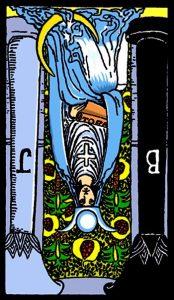 """In den Tarotkarten bedeutet die Priesterin """"width ="""" 174 """"height ="""" 300 """"/> </p> <p> <strong> Die umgekehrte Hohepriesterin </strong> fordert Sie erneut auf, langsamer zu werden und sich Zeit zu nehmen, um sich wieder mit sich selbst zu verbinden. Die umgekehrte Karte kann ein Zeichen dafür sein, dass Sie Ihre eigenen Gefühle unterdrücken und das Es fällt Ihnen schwer, Ihre eigene Intuition zu hören. </p> <p> Gab es eine Situation, in der Sie das Gefühl hatten, Ihrem Instinkt folgen zu müssen, aber haben Sie sie ignoriert? Oder vielleicht haben Sie die Meinung anderer beeinflusst, anstatt nachzudenken in was war für dich richtig? </p> <p> Sei vorsichtig, da andere versuchen, dich zu beeinflussen, stehe fest mit deinen eigenen Überzeugungen. Du brauchst nicht die Zustimmung anderer. Folge stattdessen deinen eigenen Instinkten, weil Die Antworten, die Sie suchen, sind verbeult ro. </p> <p> Halt die Klappe und zieh dich von der Außenwelt zurück, um zu sehen, was dein innerer Führer jetzt mit dir teilt. Entspannen Sie sich und wissen Sie, dass Sie bereits die Antworten in sich haben, die Sie brauchen. Alles, was Sie brauchen, ist ein wenig Vertrauen in sich selbst, um das zu tun, von dem Sie wissen, dass es das Beste ist. </p> <h2> <span id="""