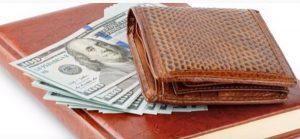 """Farben, um Geld nach Feng Shui anzuziehen """"width ="""" 300 """"height ="""" 139 """"/> </p> <p> Braun ist eine neutrale Farbe und eine der besten Farben, um Geld anzulocken. Es scheint nicht sehr stark zu sein, aber in Wirklichkeit ist es eine Farbe mit großer Energie, die sich perfekt zur Förderung von Stabilität und wirtschaftlicher Sicherheit eignet. </p> <p> Wenn Sie zusätzlich zu Ihrer braunen Brieftasche etwas Braunes im Büro haben oder ein braunes Kleidungsstück tragen, hilft Ihnen diese Farbe, Ihr Einkommen zu sichern, damit Sie sich sicher fühlen können. </p> </p> <p> <strong> GELB </strong> </p> <p> Wenn Sie Geld anziehen möchten, ist Gelb auch eine der Farben von Geldbörsen, um Geld mit guter Energie für diesen Zweck anzuziehen. Gelb ist die Farbe, die Ihren Geist dazu bringt aktiver und das regt die Kreativität an. Es ist eine Farbe, die Chancen anzieht, die das Erreichen erleichtert oder Ihre Ziele. </p> </p> <p> <strong> ROT </strong> </p> <p> Rot ist die Farbe der Kraft. Es ist auch gut zu verwenden, wenn Sie mit Geldproblemen konfrontiert sind. Es muss jedoch ausgewogen eingesetzt werden. Die Chinesen glauben, dass dies die Farbe des Überflusses und des Reichtums ist. In der Tat ist dies keine Überraschung, da wir alle chinesischen Unternehmen mit Rottönen dekoriert sehen. Sie können diese Brieftaschenfarbe verwenden, um Geld anzuziehen. </p> </p> <p> <strong> ORANGE </strong> </p> <p> Orange ist eine der fünf Farben, um Geld anzuziehen. Es kombiniert die Energie von Gelb mit der Stärke von Rot. Dies gibt Ihnen die Kraft und Entschlossenheit, die Sie benötigen, um Ihre Ziele zu erreichen. Die Farbe Orange hängt auch mit Wohlstand und Geld zusammen. </p> <p> Falls Sie immer noch Zweifel haben, sage ich Ihnen, dass es viele Menschen gibt, die sich die Gelegenheit gegeben haben, diese Farben von Brieftaschen auszuprobieren, um Geld anzuziehen, und geblieben sind überrascht und sehr dankbar für die Ergebnisse, die sie erzielt haben. </p> <p> Also lade ich Sie ein, d"""
