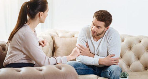 5 Zeichen Sie sind ein Narzisst im Gespräch und wissen es